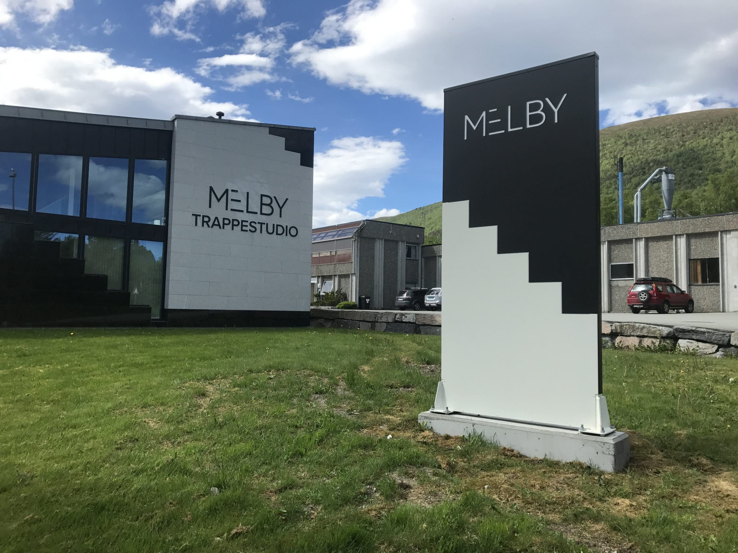 Melby_pylon